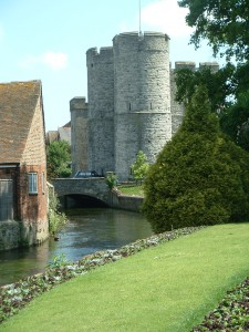 Taxi Transfer from Luton Airport to Canterbury