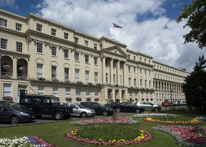 Taxi Transfer from Luton Airport to Cheltenham